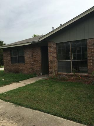 Oakdale Duplex Madill OK Photo